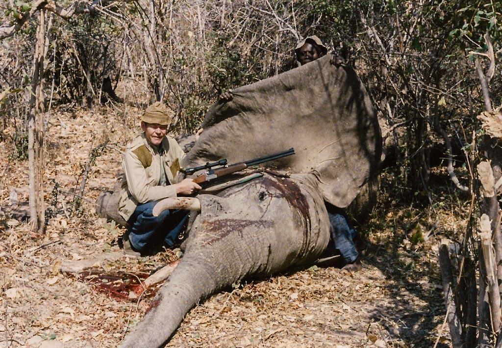 Jørgen, på elefantjagt i Afrika